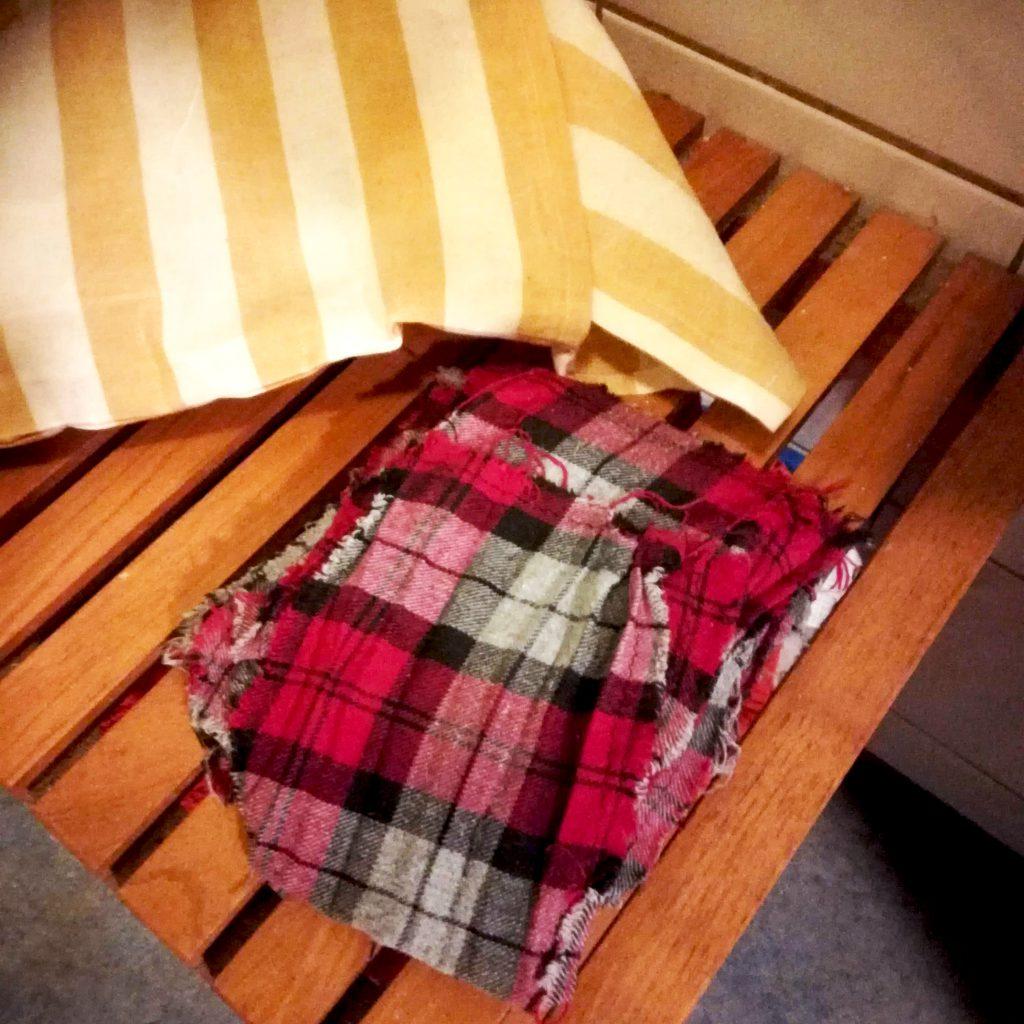 Rotkarierte FLannel Lappen : toilettenpapier aus Stoff